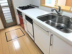人気のシステムキッチン完備収納も豊富です