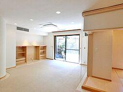 渋谷区上原3丁目 8LDKの居間