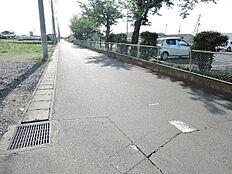 前面道路 北側5.12m道路に接道しています。