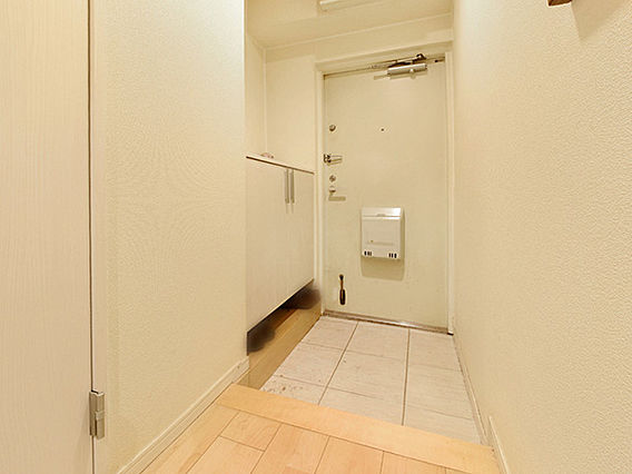 玄関です。廊下...