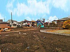 ここの地には近い将来、11戸もの新しいおうちが建つ予定です