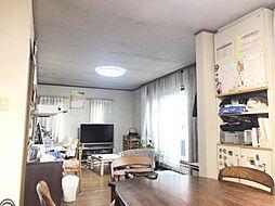 2 階に LDK と水回りがある珍しい間取りです。ご家族が集まる LDK は日中陽の光が入ります