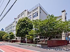 足立区立伊興中学校