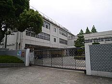 高砂市立米田小学校まで697m