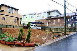 建築条件はございませんので、お好きなハウスメーカーで建てていただけます。