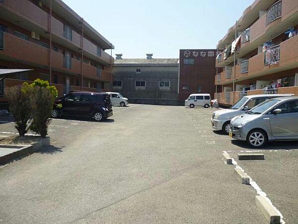 カサ・デ・わさIIの駐車場