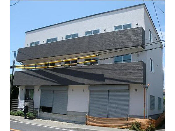 千葉県船橋市滝台2丁目の賃貸アパートの外観