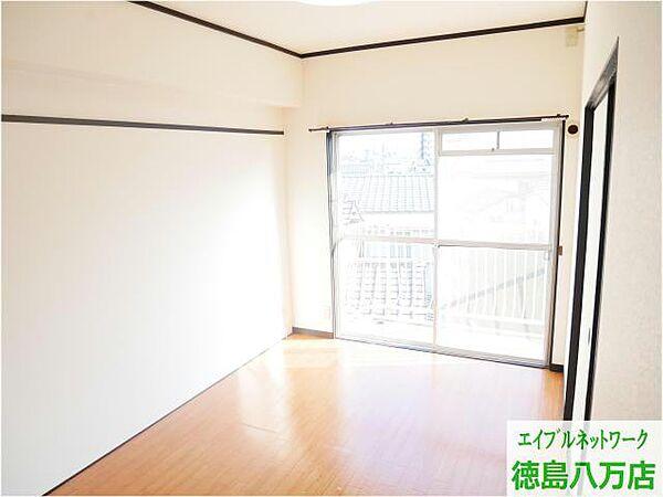 富田中央ビル[3階]の外観