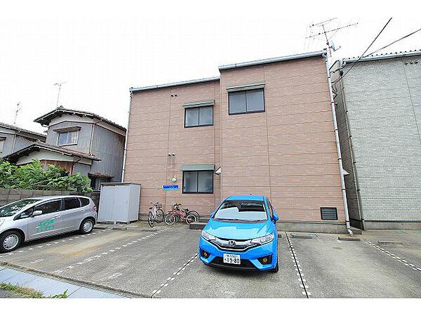 アパートメント・エコルセA[2階]の外観