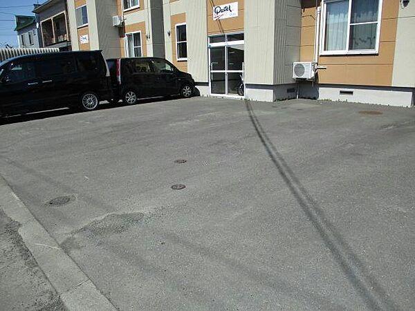パステルの駐車場