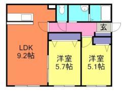 札幌市営南北線 真駒内駅 バス15分 北ノ沢8丁目下車 徒歩2分の賃貸マンション 1階2LDKの間取り